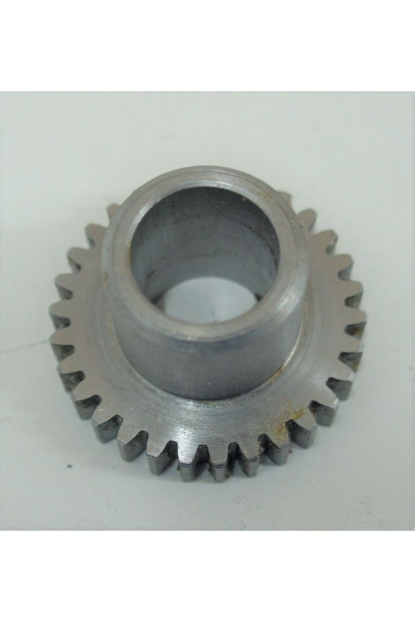 GEAR WITH LARGE ID AND HUB